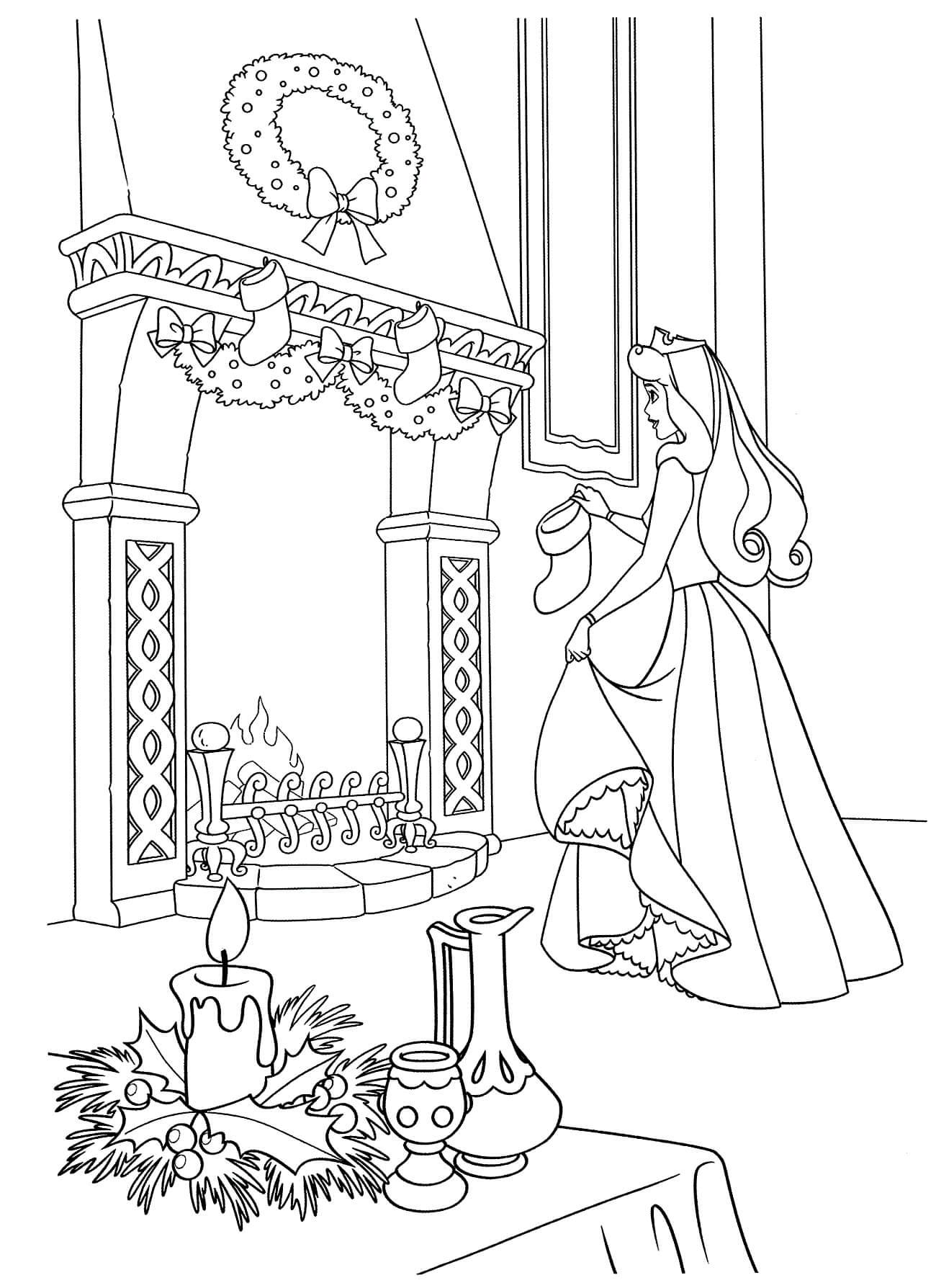 Раскраска Аврора украшает замок к Новому году
