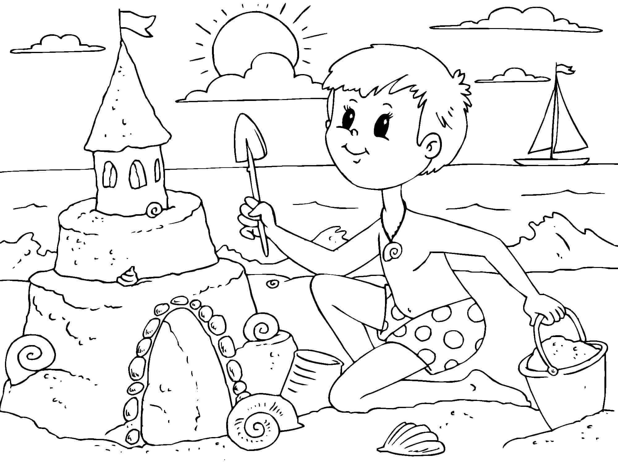Раскраска Мальчик построил замок из песка